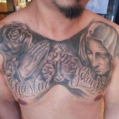 Tattoo religie borst