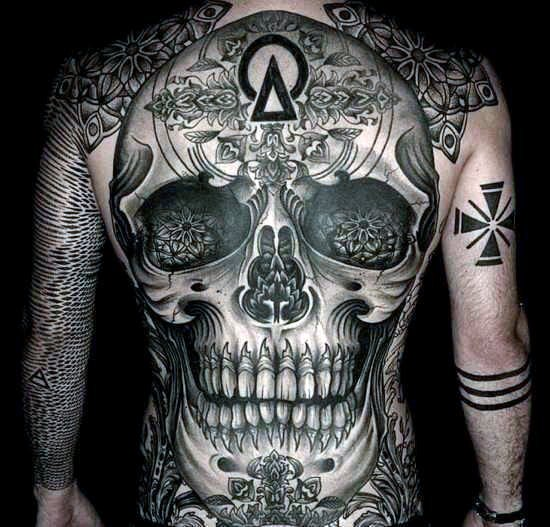 tattoo doodskop hele rug