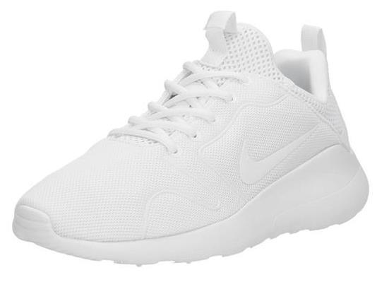 Zo maak je je witte sneakers weer wit! Mannennieuws