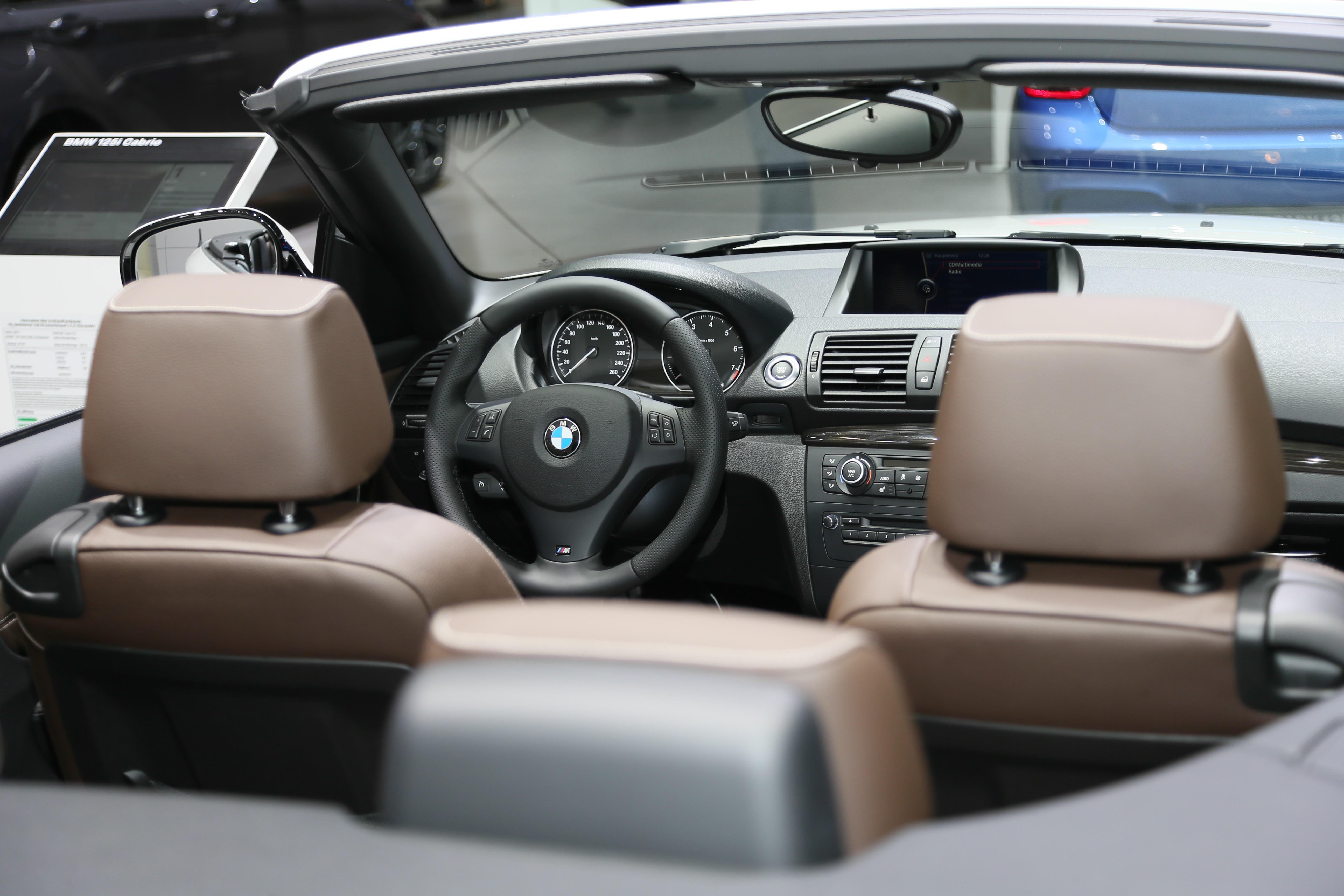 https://mannennieuws.nl/wp-content/uploads/2018/07/BMW-125i-Cabrio.jpg