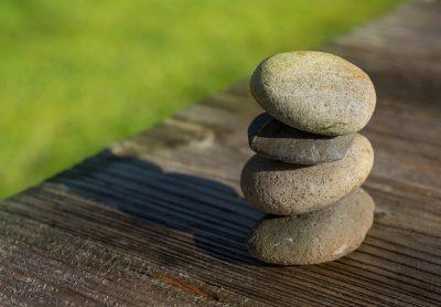 Weinig groen en veel steen betekent niet per se een onderhoudsvrije tuin.