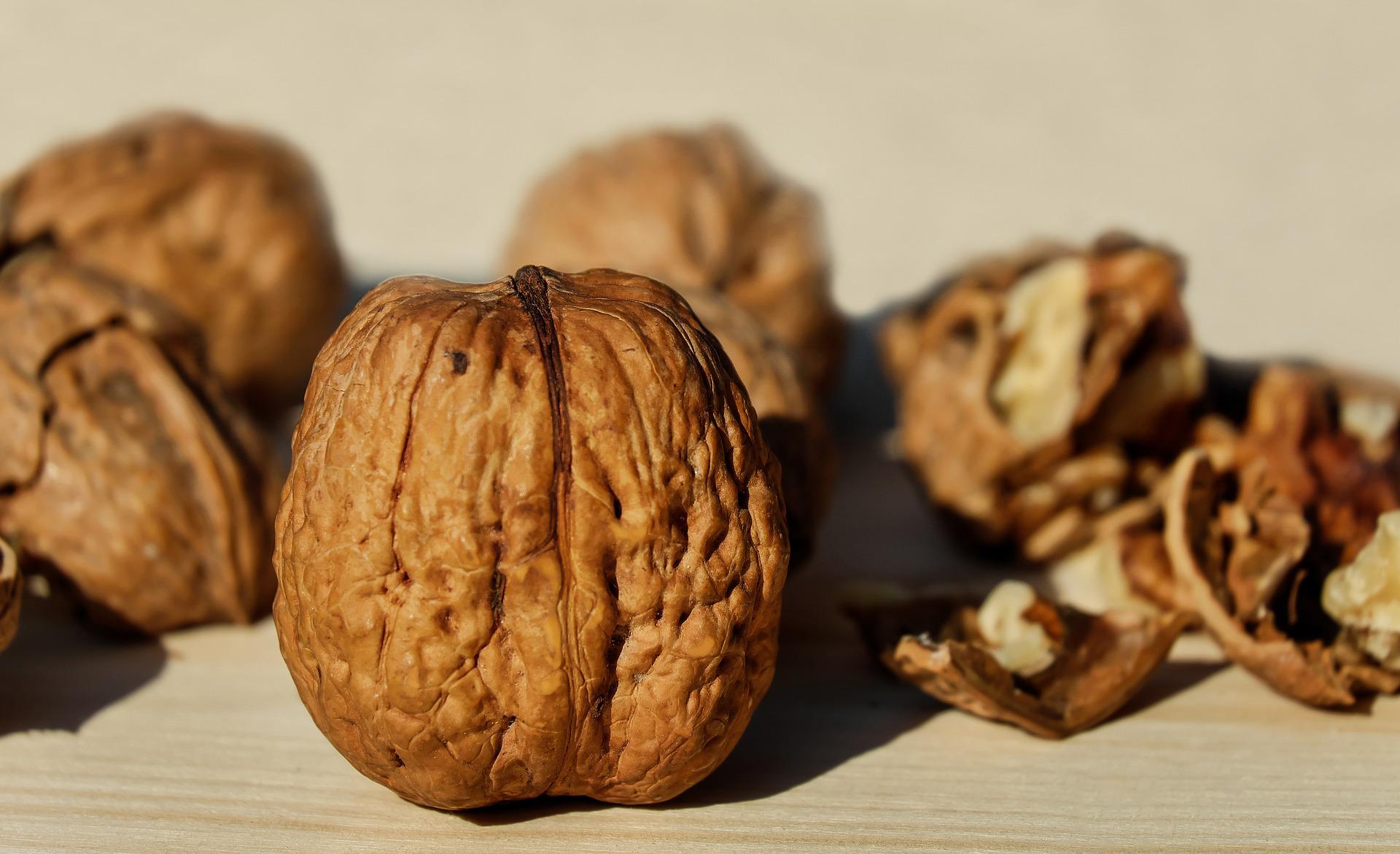 Eet niet teveel walnoten, want ze bevatten veel calorieën.
