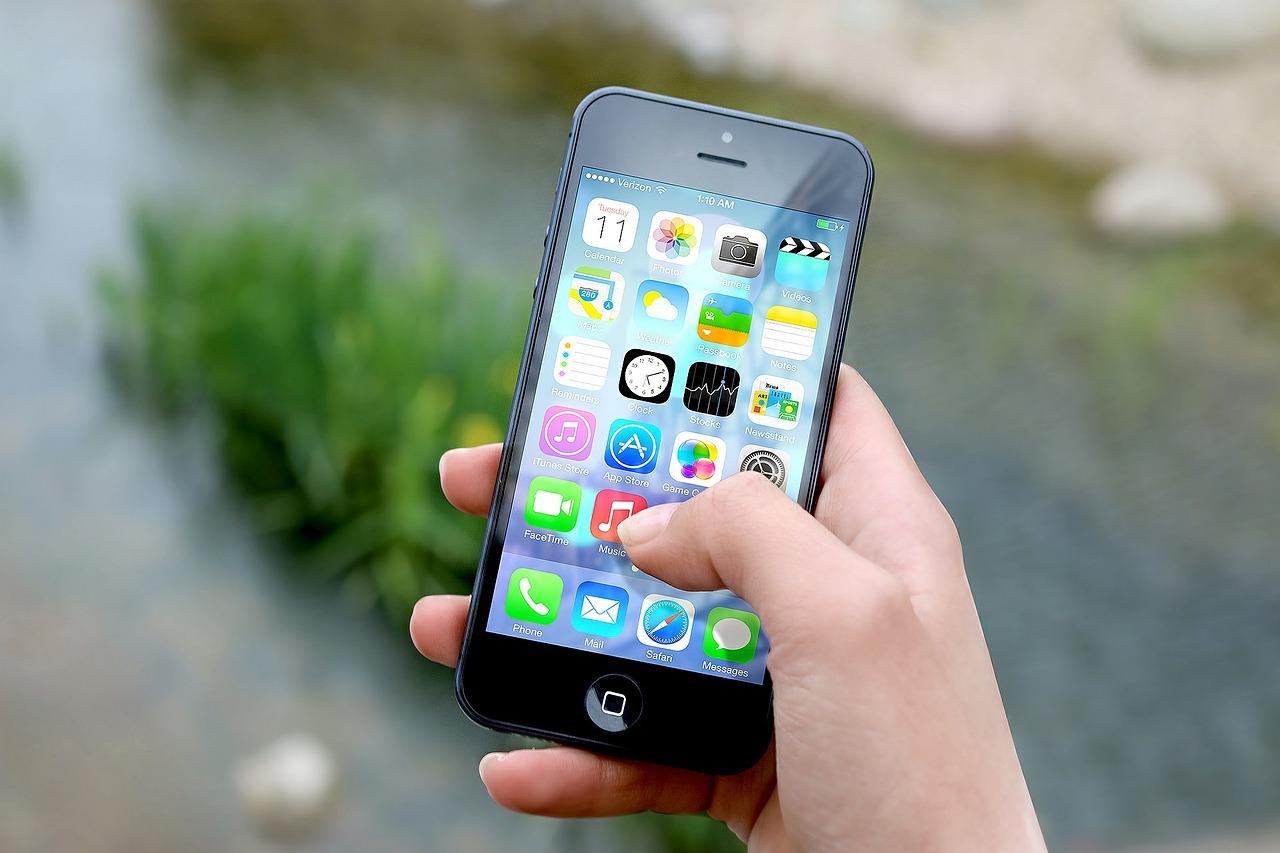 Een smartphone die up to date wordt gehouden kan een jaar of vijf mee.