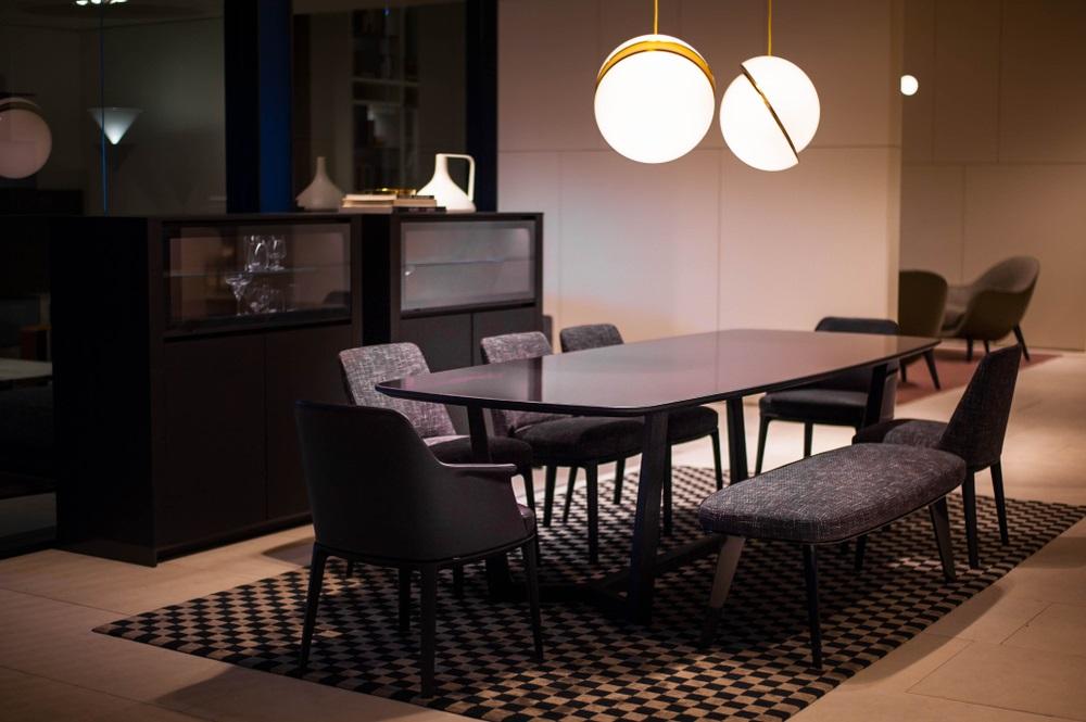 Match je de eetkamerbank met de tafel of met de stoelen?