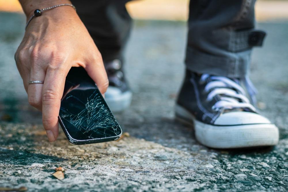 Een smartphone met schade heeft een veel lagere verkoopwaarde.