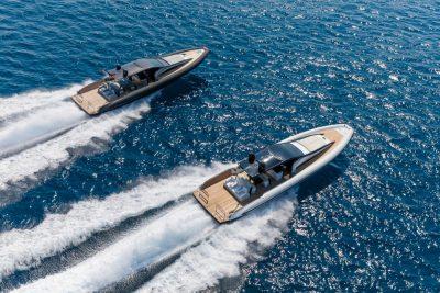 Moderne sloepen zijn comfortabel, maar niet zo snel als een speedboat.