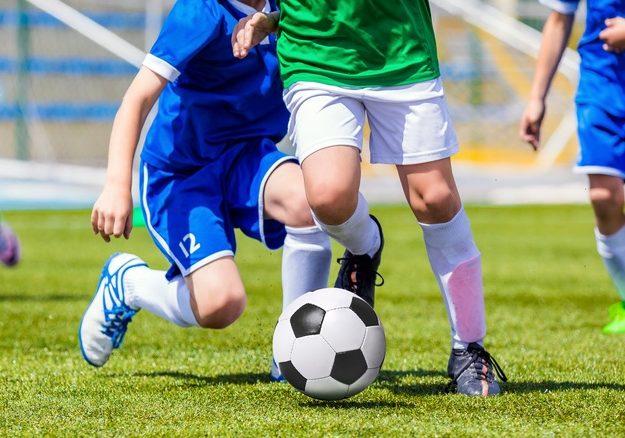 Waar moet een goed voetbaltenue aan voldoen