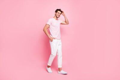Mannenkleding met pasteltinten