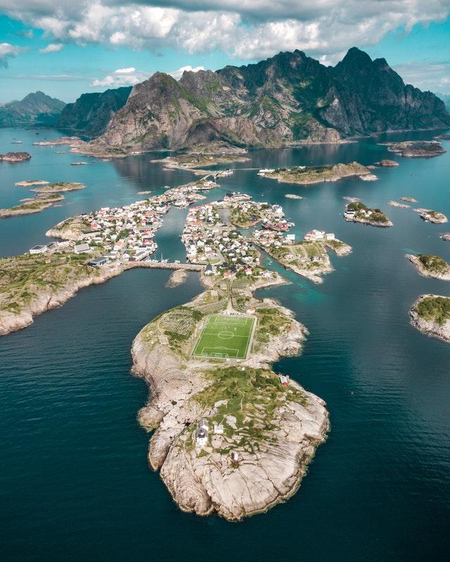 Het mooiste voetbalveld van Noorwegen.