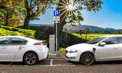 Wat zijn de verschillen tussen een hybride, plug-in hybride en elektrische auto
