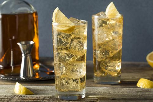 Mannen ginger ale cocktail