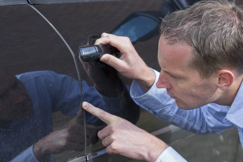 Kun je krassen op je auto zelf repareren