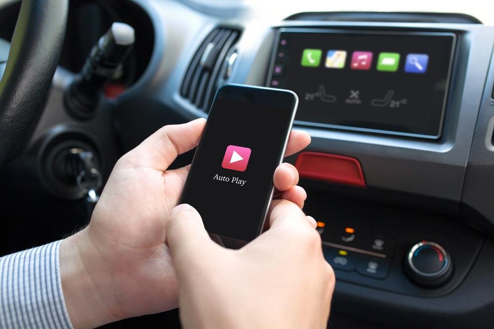 Hoe kies je het beste multimediasysteem voor in de auto
